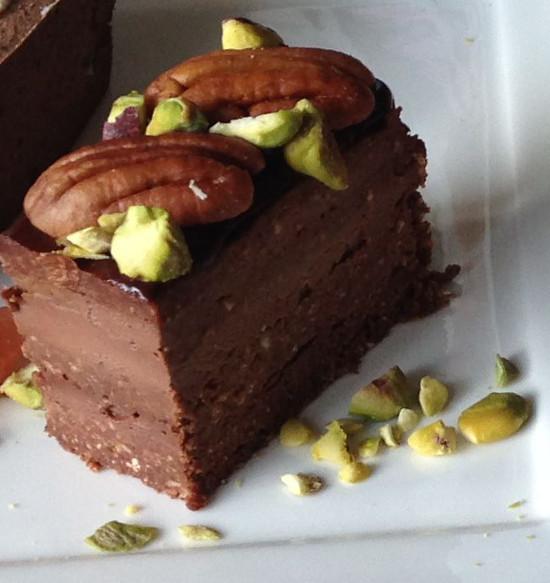 7層のチョコレートケーキ